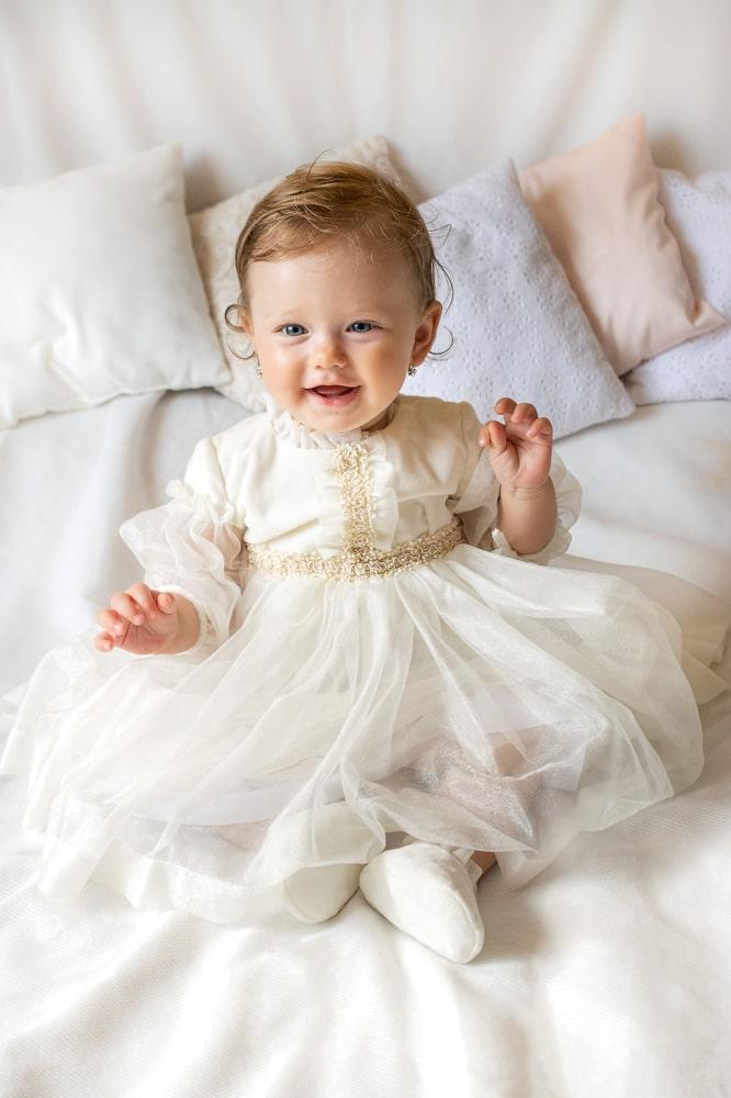 Rochie de botez pentru fetițe din catifea crem IRIDOR Caroline
