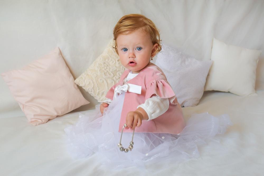 Rochie de botez alba printesa cu pelerina roz RBB013 IRIDOR